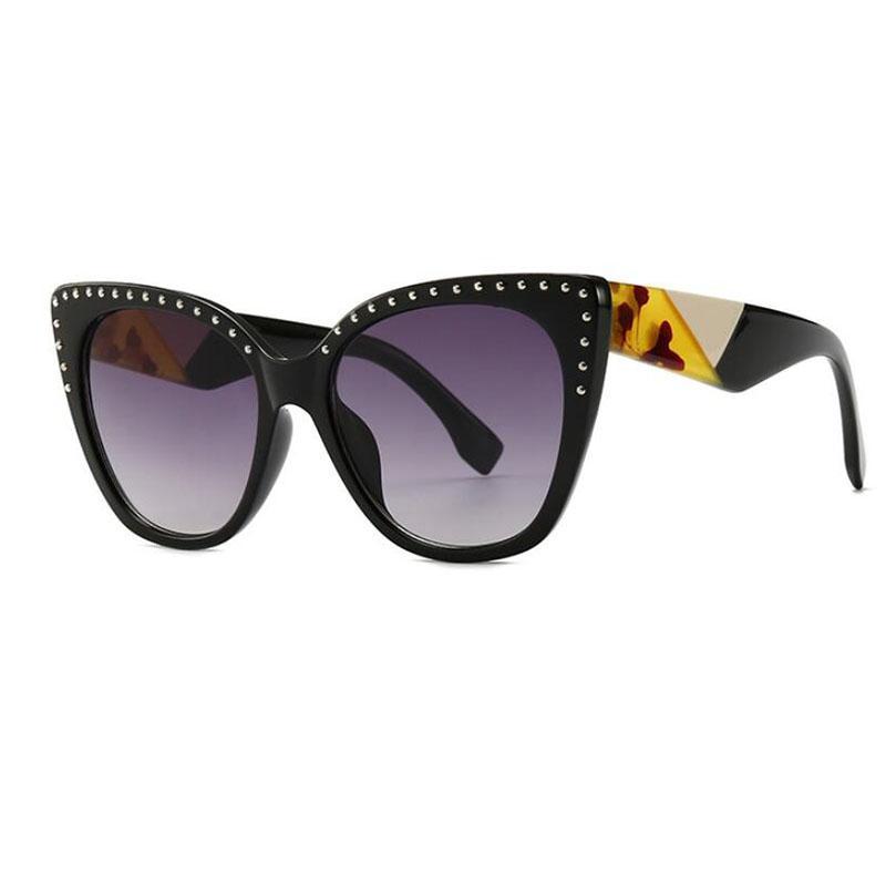 wholesale Eye Vintage Glasses Famous Brand Gradient Fashionable Big Sunglasses Ladies Rivet Shades For Women Clear Eyeglasses 2019 New