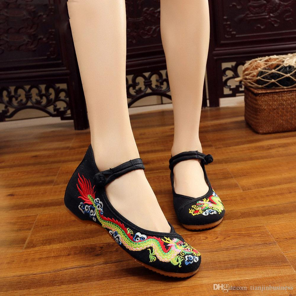 Handgefertigte Baumwolle Ballerinas Chinesische Drachen Stickerei Frauen Alte Peking Schuhe Lässig Atmungsaktiv Fahren Schuhe