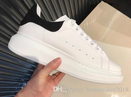 2018 Black Back Mens Comfort Freizeitschuhe Schöne Plattform-beiläufige Turnschuhe Leder Volltonfarben Eleganter Schuh Sport
