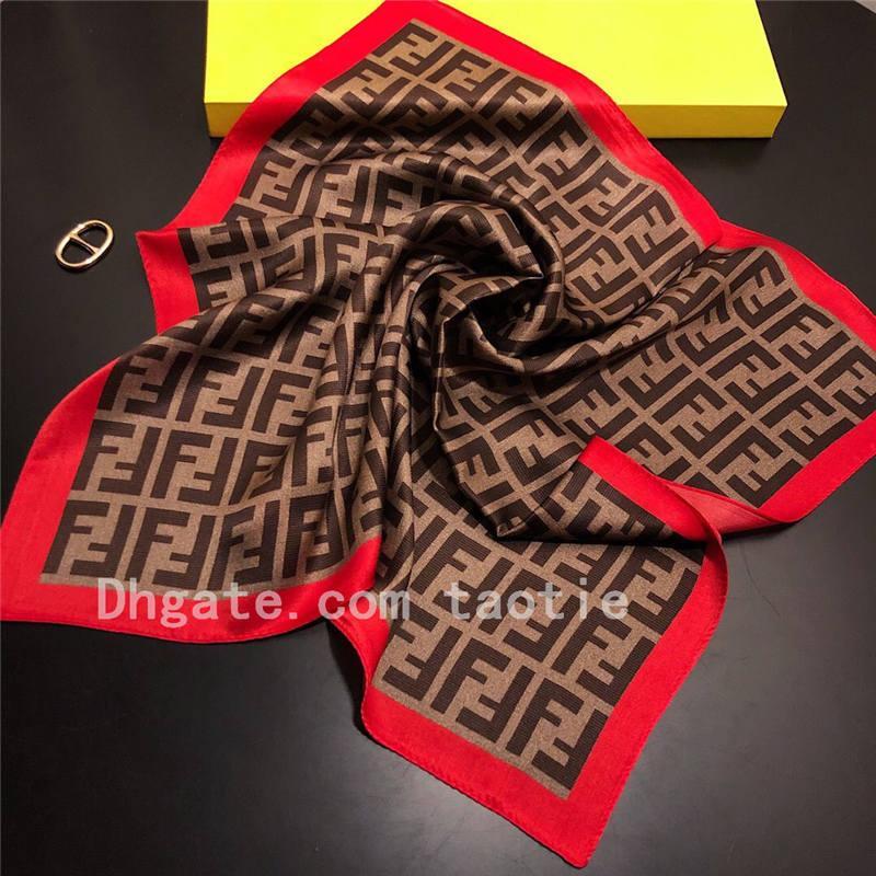 Femmes Classique Lettre Foulard soie Petit carré en soie Mulberry automne Scarfs Scarfs professionnelle écharpe cou Accessoires de mode 50 * 50CM