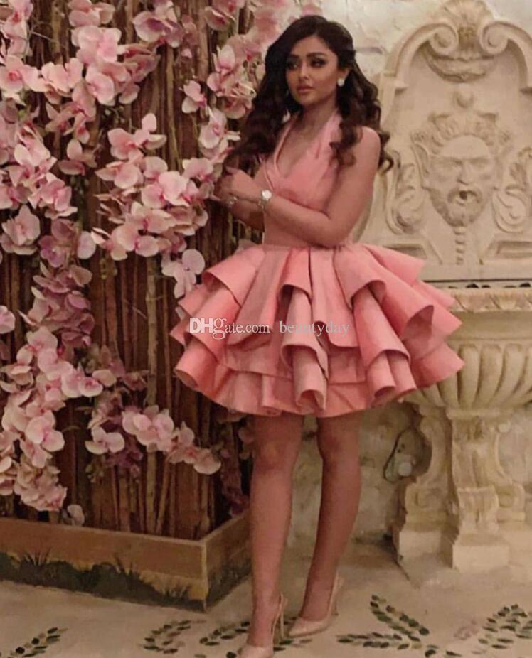 Mütevazı Kısa Parti Elbiseler Halter Saten Backless Ruffles 2019 Arapça Dubai Ucuz Abiye Kısa Balo Kokteyl Törenlerinde Custom Made