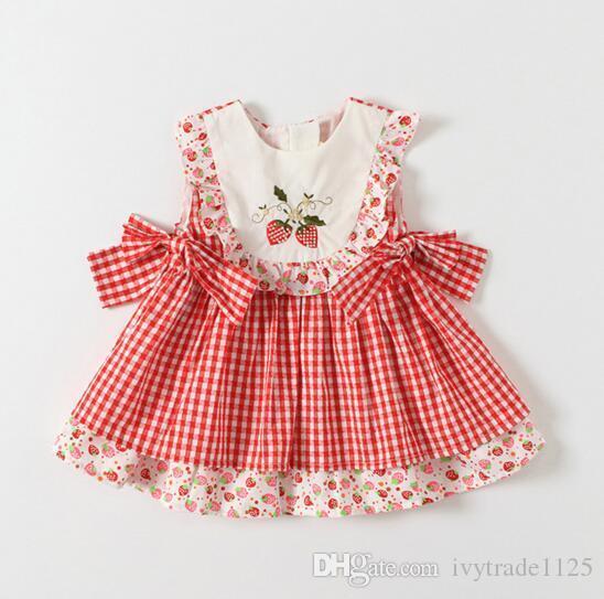 어린 소녀 옷 드레스 여름 민소매 격자 무늬 인쇄 딸기 자수 디자인 드레스 공주 여자 의류 드레스