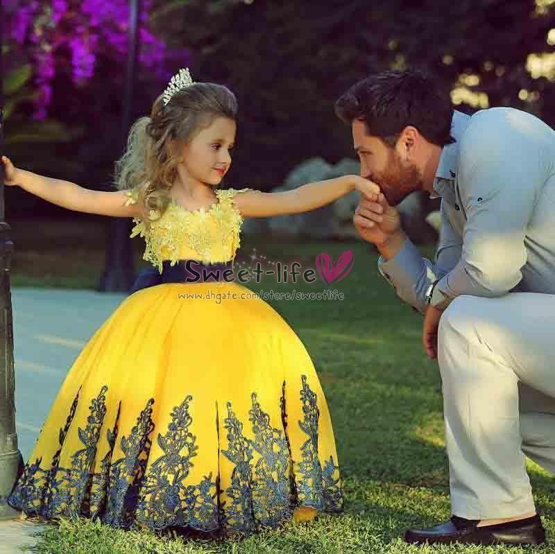 Compre Vestido Amarillo 2019 Con Encaje Vestidos Para Niñas Sash Negro Vestido De Noche Para Niños Vestido Largo Para Niñas De Flores Con Lazo Para