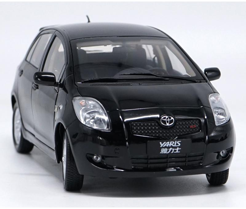 1//18 1:18 Toyota New Yaris Diecast Car Model Black Color Kids gift