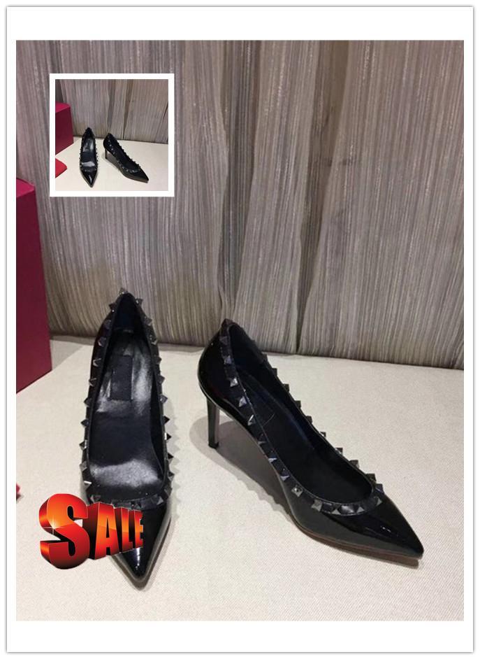 Patentes de luxo de couro Mulheres Pointed Toe Studs Bombas sapatos Rivet estilete de salto alto vestido de casamento Shoes 8,5 centímetros vendem bem