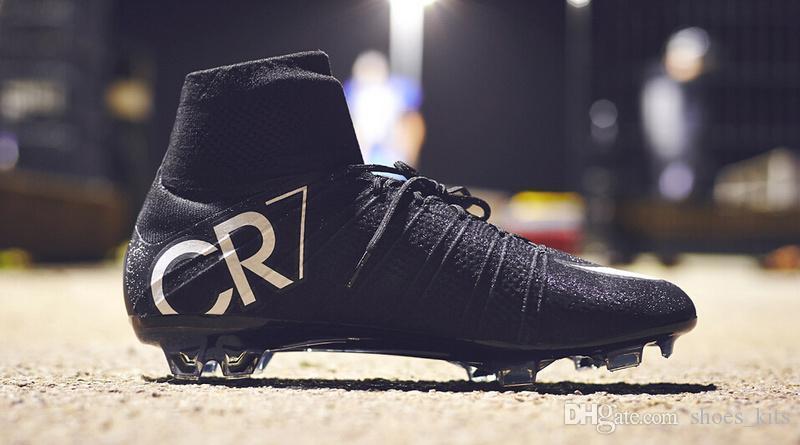 New Original Noir CR7 Soccer Crampons Mercurial Superfly V CR7 FG Chaussures De Football Ronaldo Bottes De Football En Plein Air