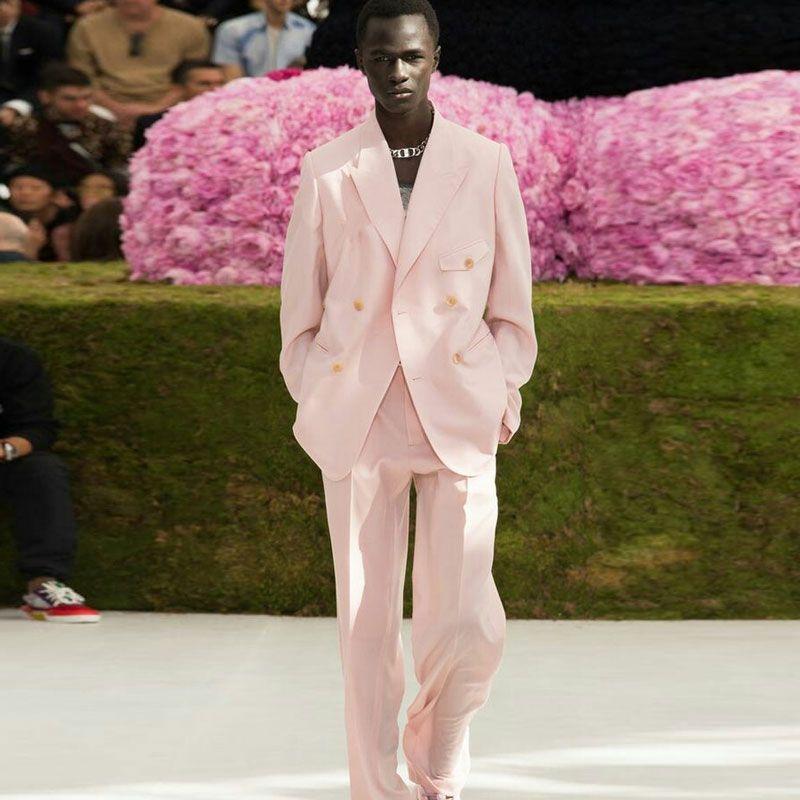 Popular Hot Pink Mens Prom Groom Tuxedos Men Suits for Wedding Man Blazers 2Piece Latest Coat Pants Designs Groomsmen Suits Evening Party