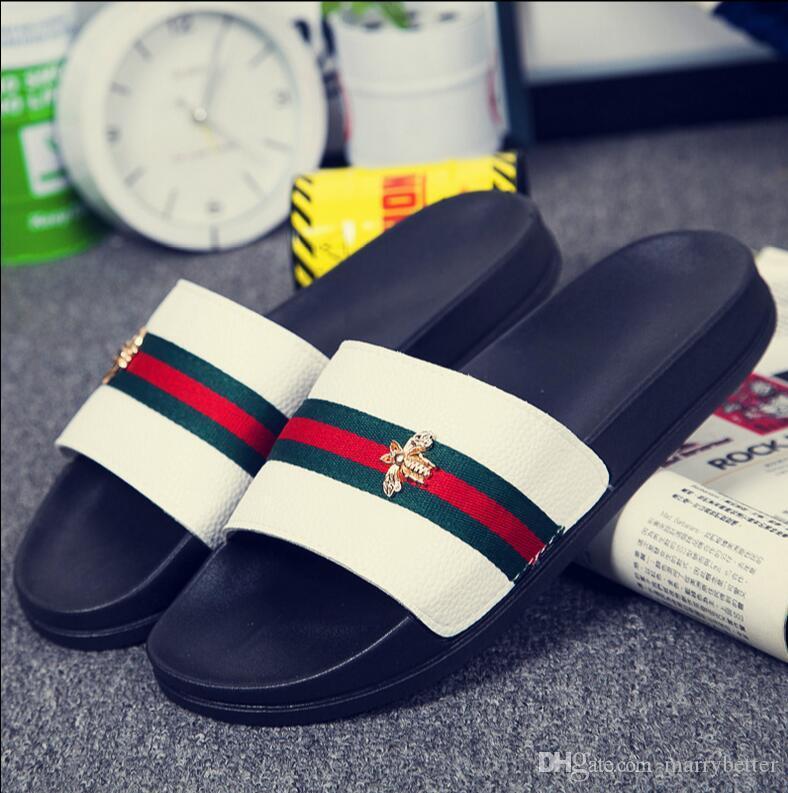 New Hot Sale Summer Men/Women Slippers Ladies Open Toe Comfortable Flat Heel Vintage Slides Metal Bee Decoration Shoes Woman D2h32
