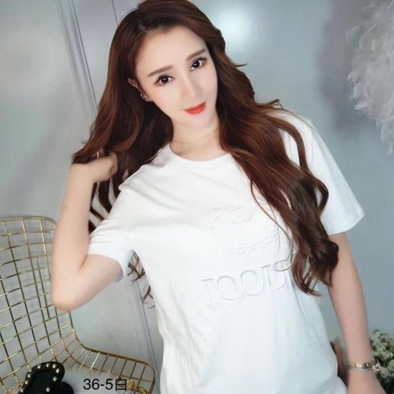 Мода представляет собой летнюю лаконичную футболку из футболки свободного индивидуального характера вышить топ tide мужчины и женщины могут оптом