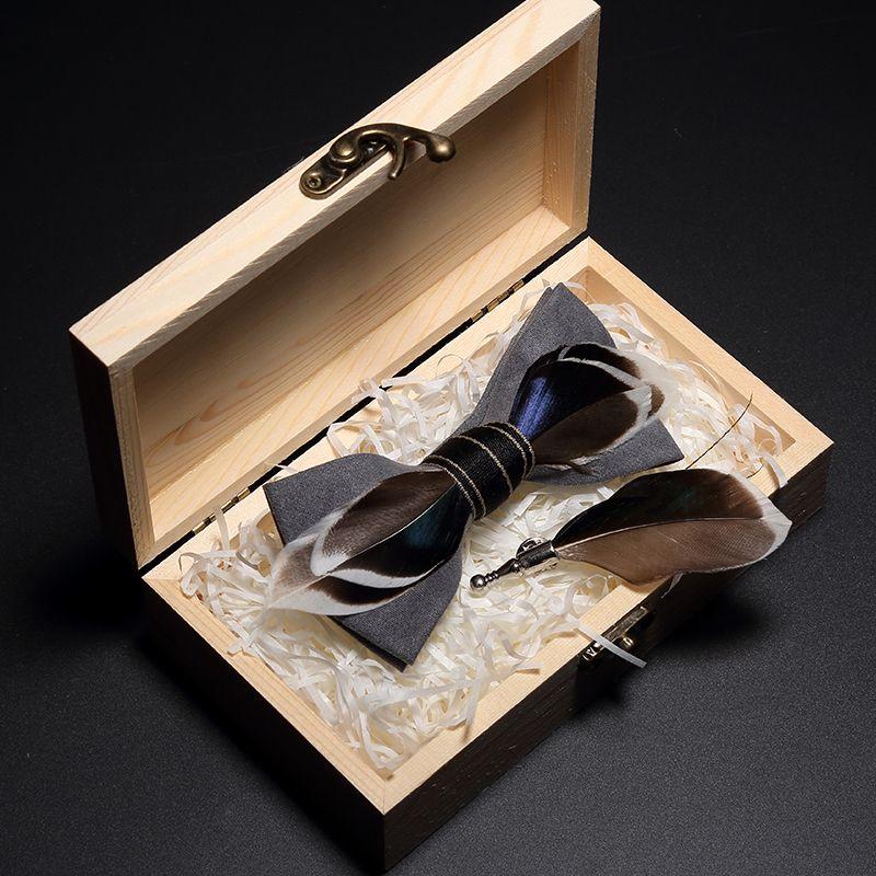 Main plumes Noeud papillon et Ensemble de broche pour Set Men Accessoires Homme Bowtie avec boîte cadeau de mariage