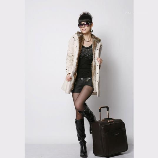 جيب أنثى الملابس عارضة ملابس سميكة إمرأة شتاء دافئ Deigner نمط معاطف مقنع كم طويل زيبر زر