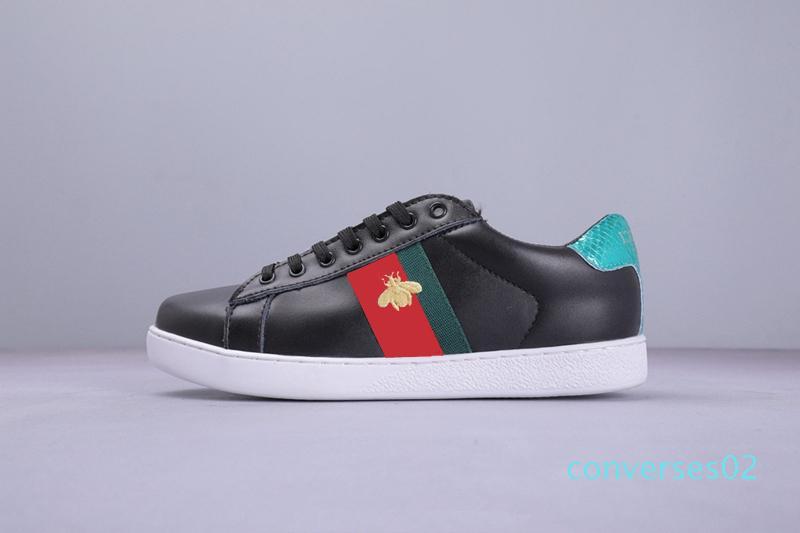 2019 barato clásico de alta calidad Triple Negro Blanco Hombres Mujeres Casual roja y plana zapatos inferiores moda zapatillas de calzado de lujo desiger 36-45 CO02