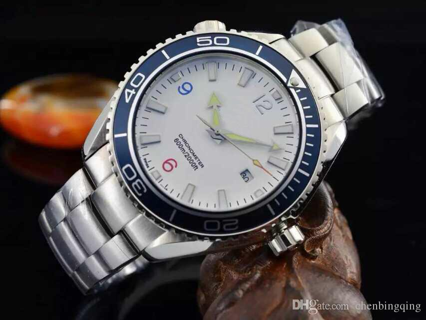 Relógio mecânico automático do homem de luxo de alta qualidade 2813 núcleo, espelho de safira, cinta de aço 316L, mergulho de 50 metros, relógio luminoso à noite