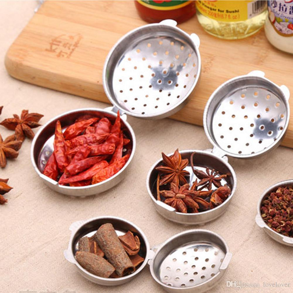 1Pcs Essential Stainless Steel Ball Tea Infuser Mesh Filter Strainer w/hook Loose Tea Leaf Spice Home Kitchen Accessories New