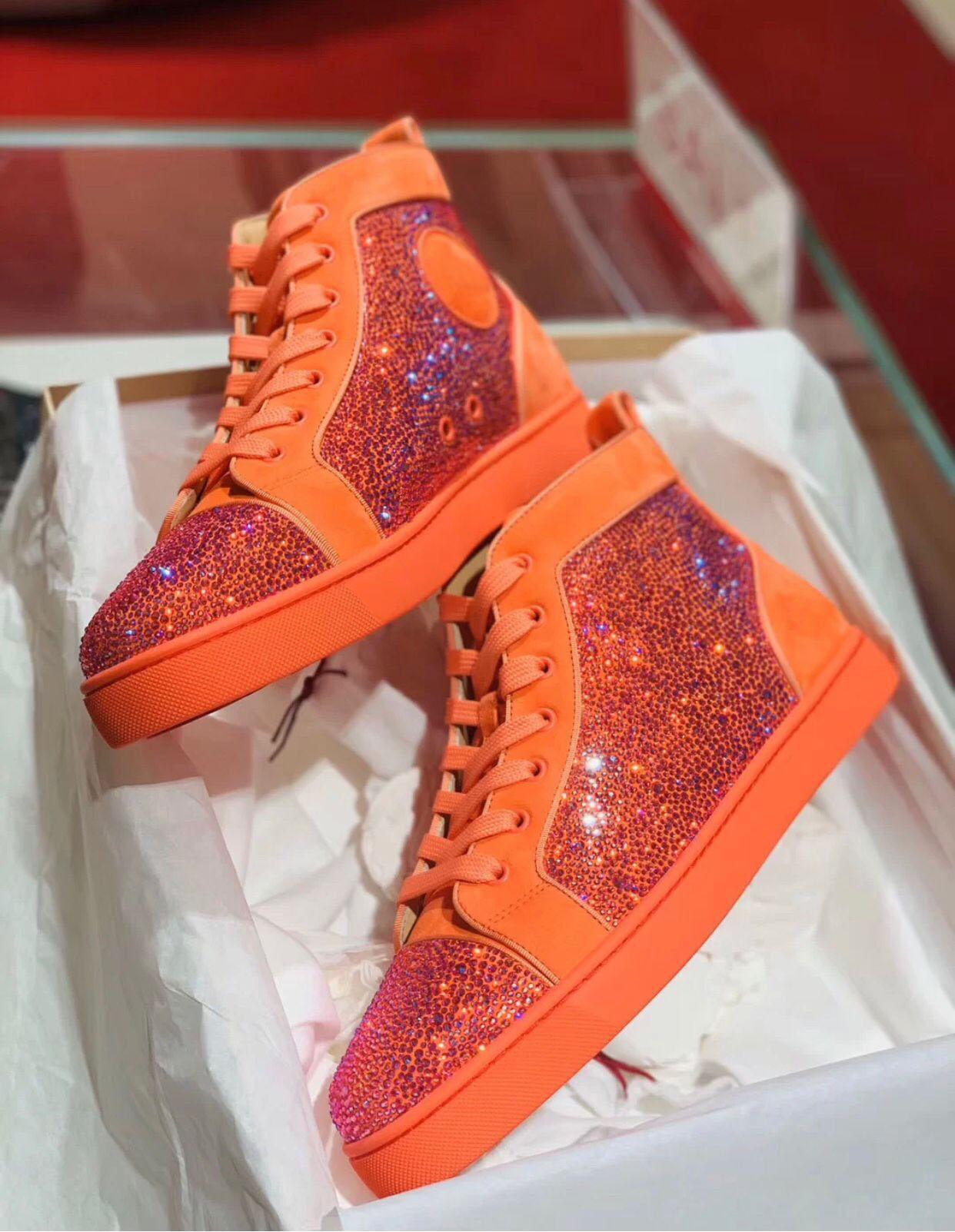 Orange Suede Strass beiläufige Gehen, elegante High Top Sneakers Strass-rote Unterseite Männer S-Qualität 1.1 Basket Homme bestes Geschenk für Ihn