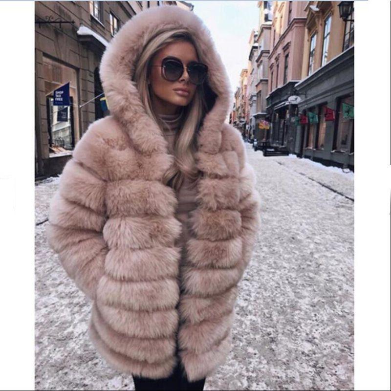 Le donne cappotti di inverno dei cappotti di pelliccia di lusso elegante del progettista allentato a maniche lunghe con cappuccio Spesso Moda Donna cappotti