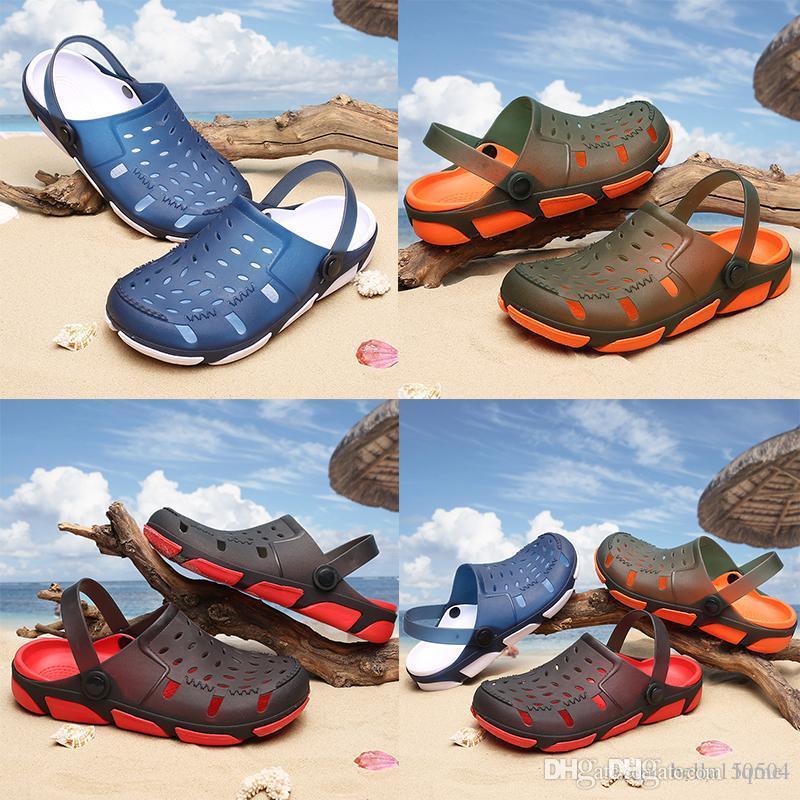 melhores qualidade designer sandálias Jelly Sandals Men Praia Chinelos Masculino Peso Leve Verão Eva Jardim sapatos respirável Buraco Mens flip-flop