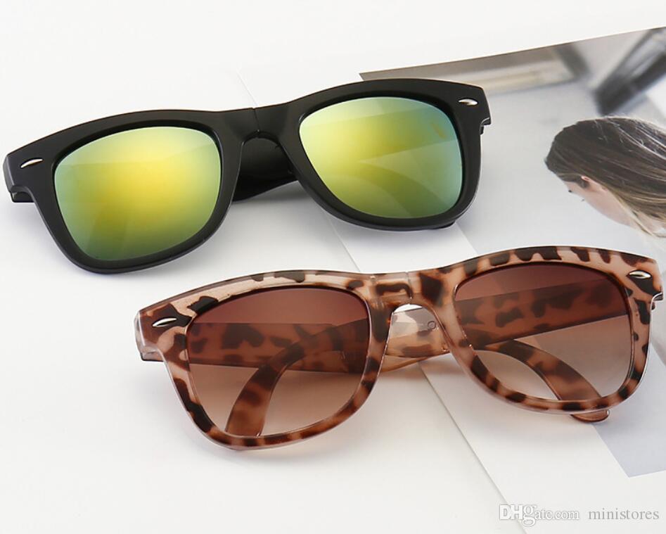 Occhiali da sole pieghevoli moda Uomo Donna Designer di marca Occhiali da vista Cat Occhiali da sole cool per 4105 con astucci online