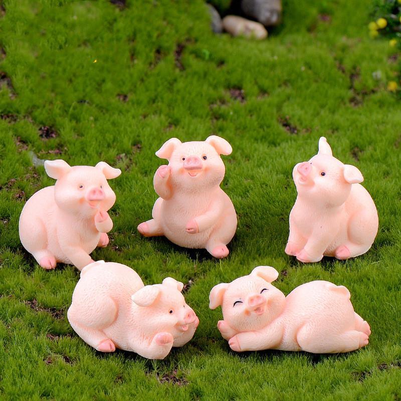 2pcs / lotto sveglio Maiali Micro Paesaggio dei mestieri della resina piccola decorazione Portachiavi Accessori Bambole 12 Zodiac Pigs