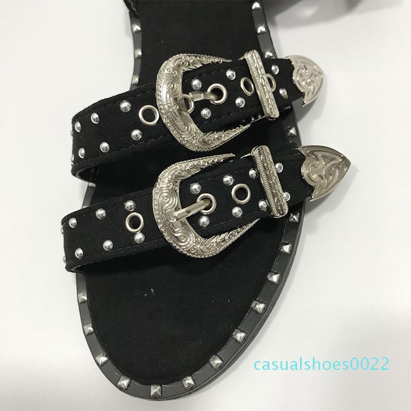 Neue Frauen-Niet-Sandelholz Cool Girl Metall Dekoration Frauen Schuhe Wölbungs-Bügel öffnen Zeheebenen Heel Damen Sandalen Weiblich Mode c22