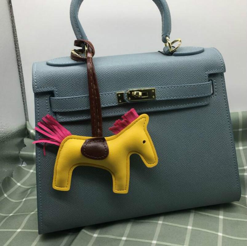 حقيبة مصمم حقيبة يد نسائية أجزاء H المهر قلادة أزياء جميلة الشرابة جلد أجزاء أكثر ملحقاتها اللون مع صندوق //
