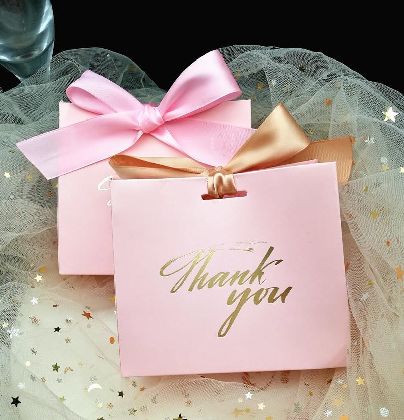 25pcs شكرا لك مطبوعة الوردي كيس الحلوى مربع لصالح هدية الديكور / الحدث إمدادات حزب / عرس الحسنات علب الهدايا T8190629