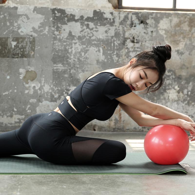 2020 concepteur de nouveaux vêtements de yoga été sprint féminin vêtements de danse costume de sport de remise en forme de deux pièces mode 3 couleurs