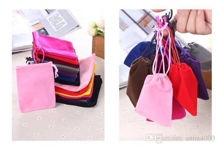 100 pezzi di velluto nero sacchetto di velluto regalo sacchetti di gioielli 7 x 9 cm (marrone / blu / rosso)