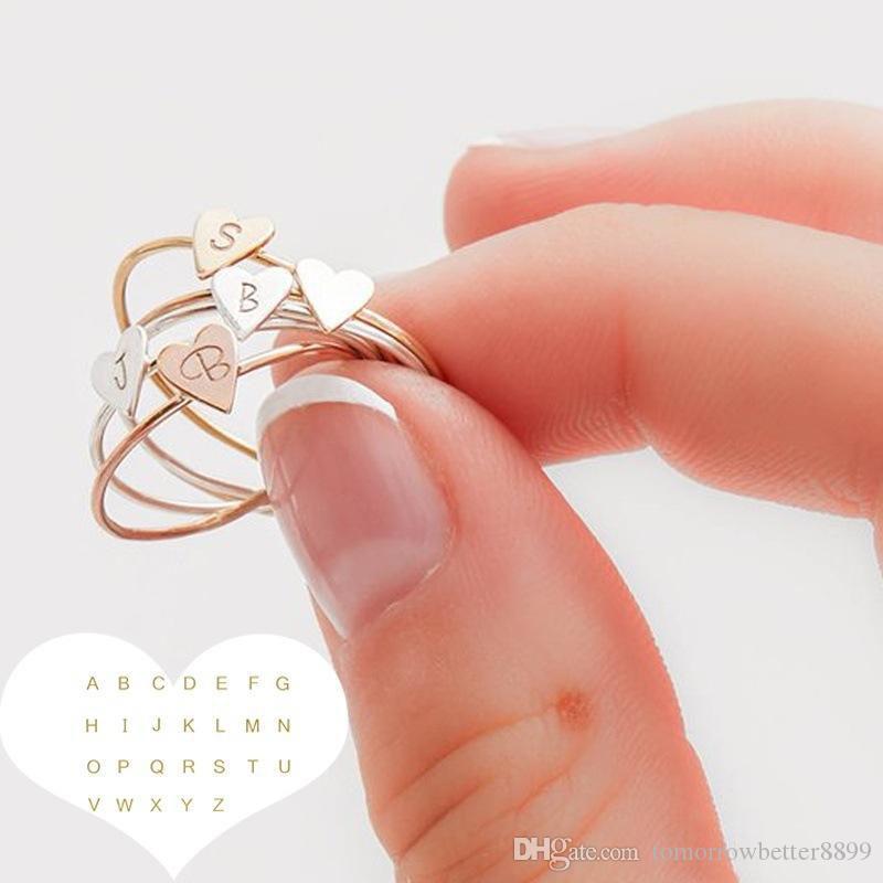 Mulheres requintados simples Goldplated Amor Anel Carta coração personized delicados iniciais nome do anel Melhores Jóias Acessórios