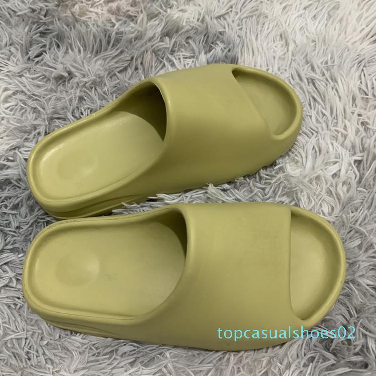 Mode Hot Kanye mousse pantoufles concepteur Runner os désert de sable résine triple diapositives mode noir hommes sandales hôtel de plage de vitesse de T22