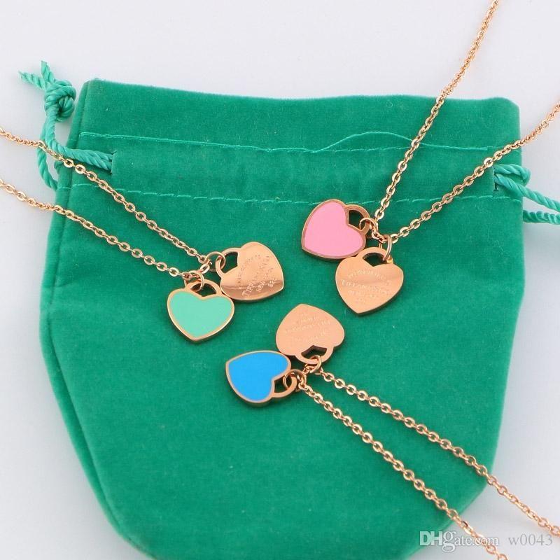 Moda Lüks tasarımcısı Marka Aşk Kolye Kadınlar paragraf klavikula kolye Altın Şeftali Kalp kolye kolye Takı