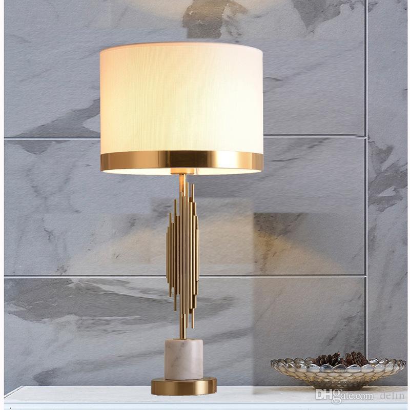 Nord Europa luce lusso marmo decorativa del salone della lampada Post Modern semplice creativa Camera Lampada da comodino Deco domestico