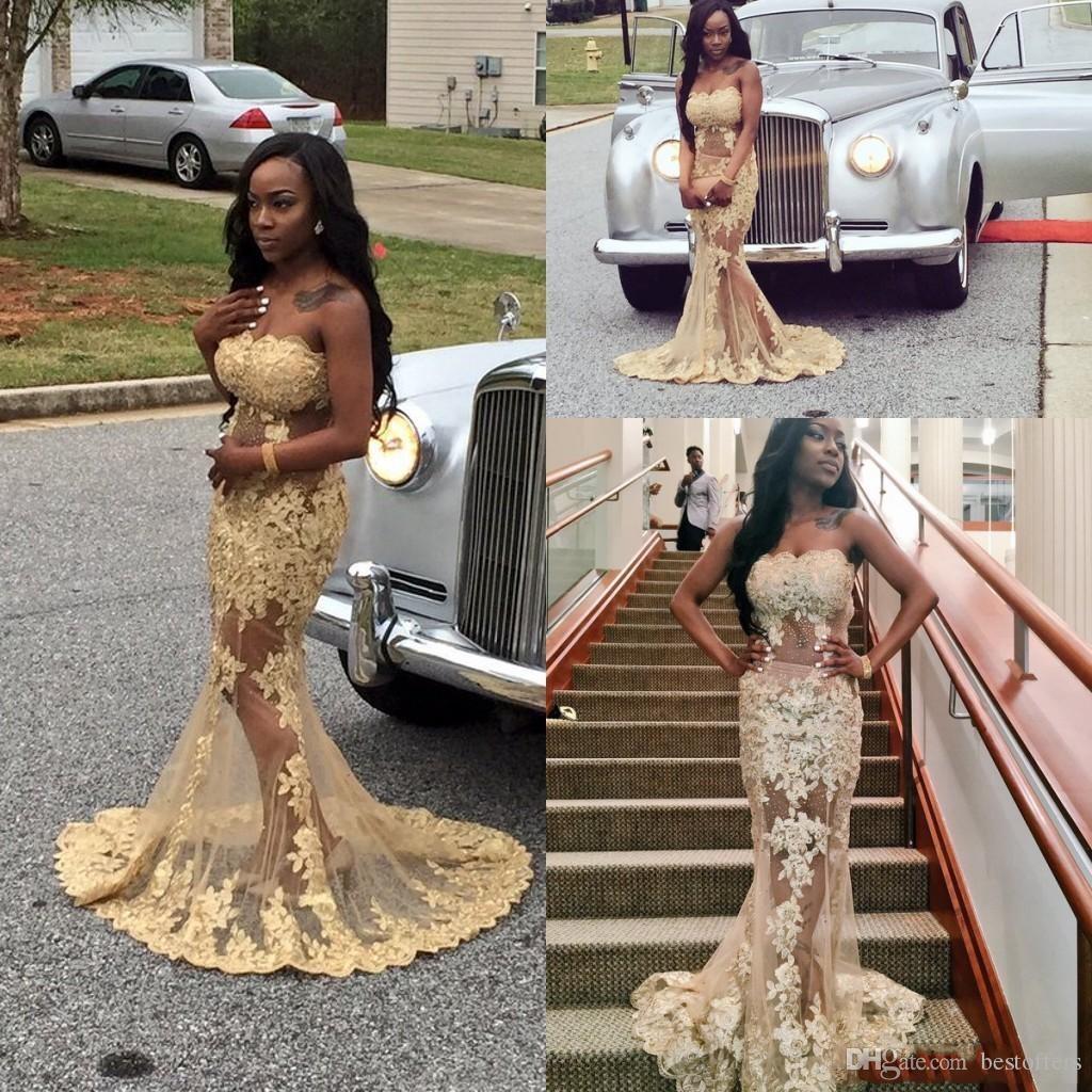 Afrikanischen Stil Sexy trägerlosen Illusion Mieder Prom Kleider Gold Backless Spitze Applikationen Durchsichtig Rock Sweep Zug Abendkleider