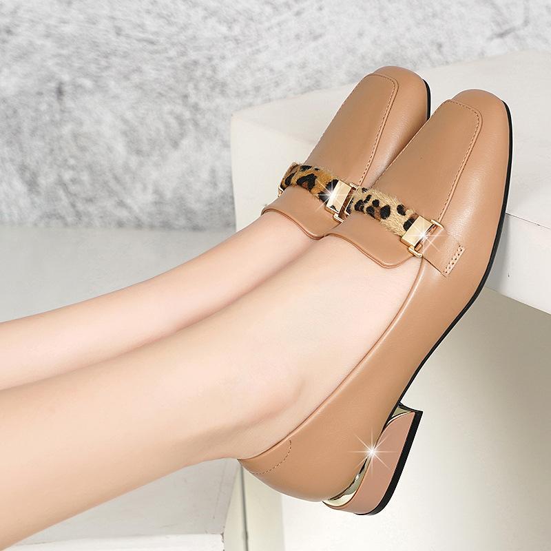 Kalın ile Tek Ayakkabı Kadın 2019 Sonbahar Sığ Ağız Kare Kafa Joker Orta Topuk loafer'lar Boş Bayanlar Tekli ayakkabı