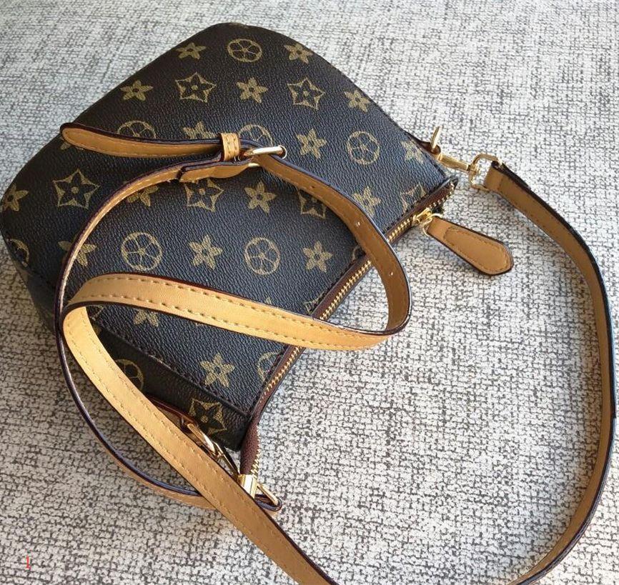 Femmes Mode casual sac à main Lady Mini Sac bandoulière Sacs à bandoulière de haute qualité PU Sacs à main téléphone portable Sac fourre-tout Clemence PH-CFY912191