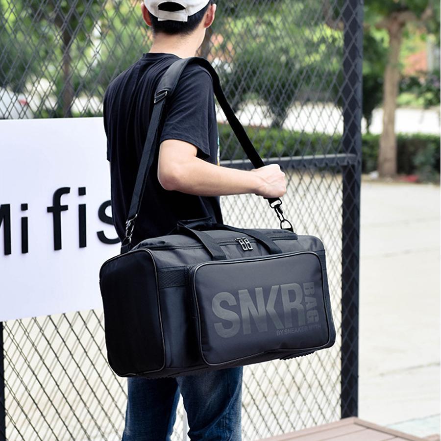 Impermeabile multiplo grande sacchetto di allenamento palestra borsy borsy compartking sacchetti da viaggio fitness fitness fitness cinturino da uomo sport 55L knkhv