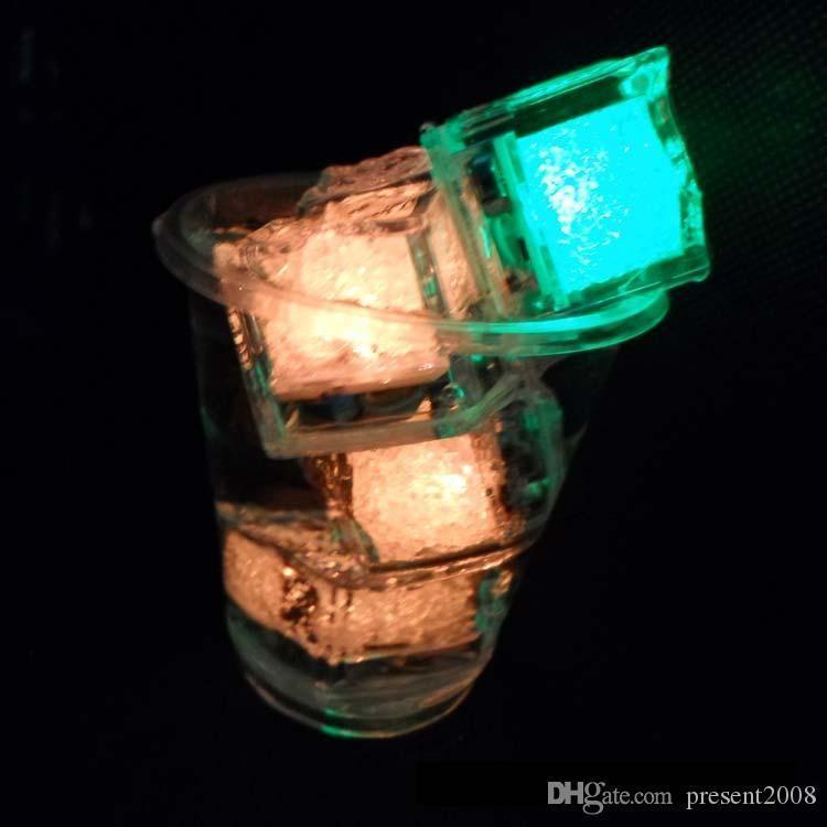 control libre del cubo de hielo LED de luz de flash Pulse fiesta de la boda Decoración Barras de colores 120, 240 PCS PCS