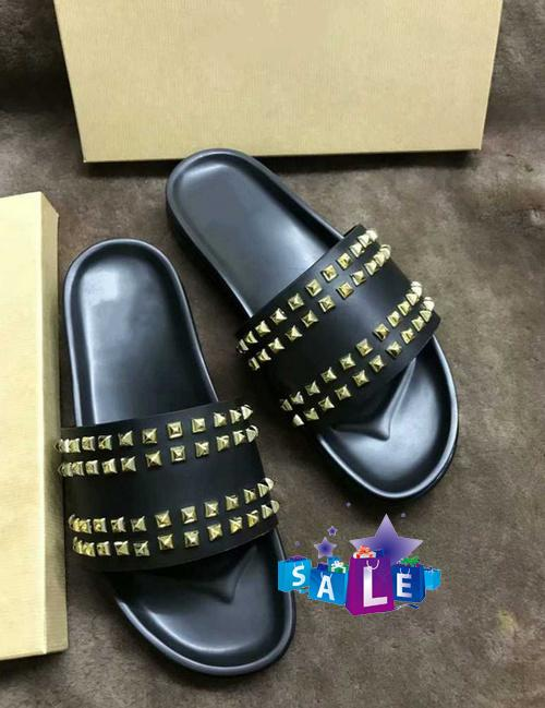 Donna Studded Flat slippers Designer Luxury red Bottoms Shoes men Rivet Spikes Flat slipperswith boxs