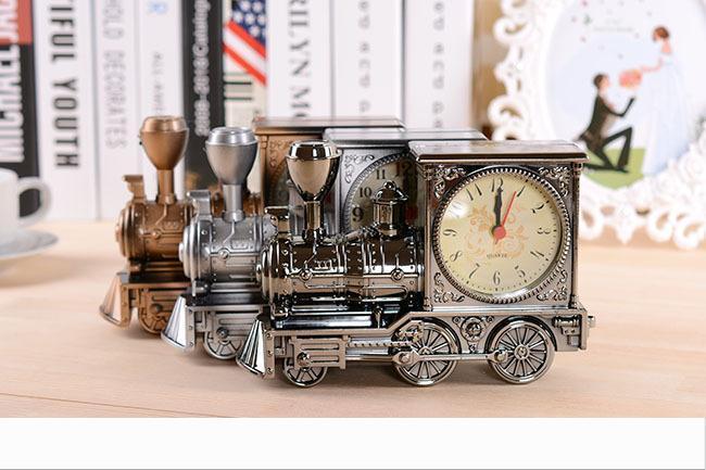 Kutuları ile Vintage Retro Tren Masa Saati Ev Dekorasyonu 3 Renkler Yaratıcı moda Kuvars Saatler En İyi Promosyon Hediye