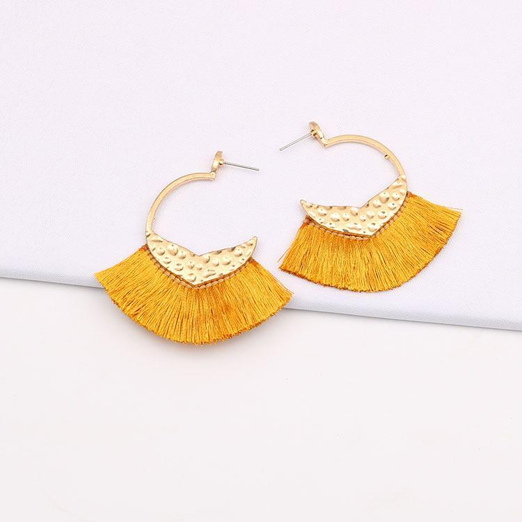 2020 Designer europäische und amerikanische große Ohrringe Schmuck-Legierung geometrisches Dreieck Linie Spitze Quaste Ohrringe neue Ohrringe