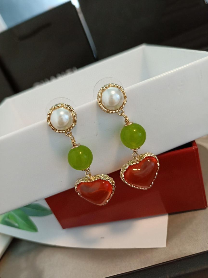 nueva perla de la moda pendientes de amor de lujo de encargo Pendientes de cobre amarillo de material S925 alfiler de plata de la perla de primavera y verano