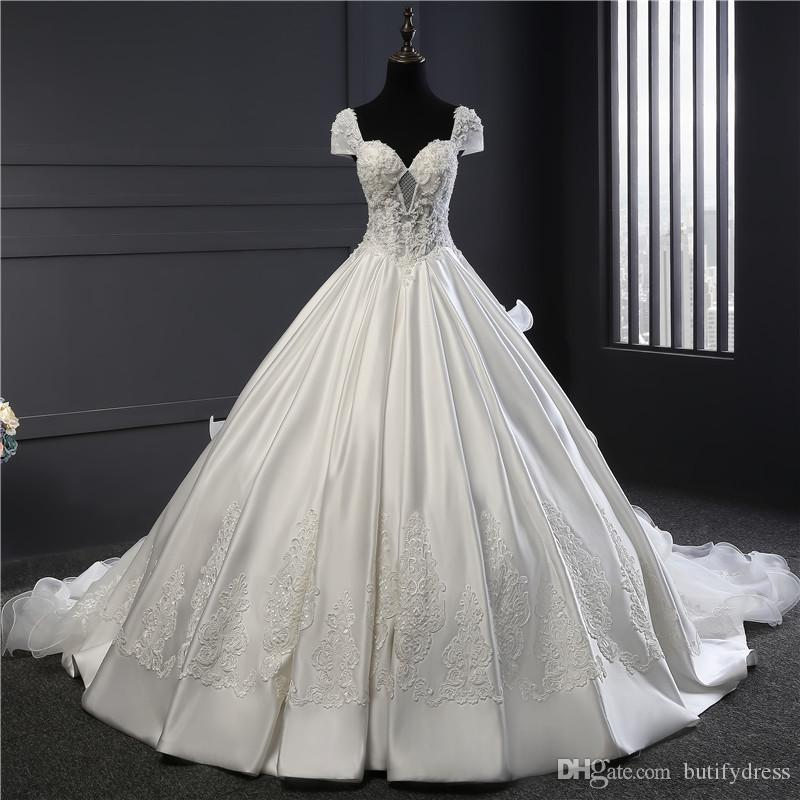 Custom Wedding Dresses Flowery White Brides Gown Elegant High Class Long Train Brides Dresses Chinese Factory Man Made
