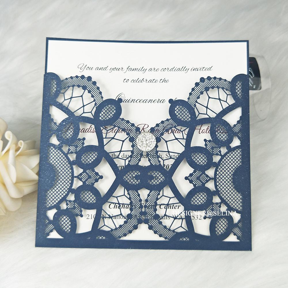 Tarjetas de invitación del corte del láser de la venta caliente con el diamante de cristal para la fiesta de bodas, azul marino Impresión personalizada Quinceanera Invitaciones Cena Invitaciones