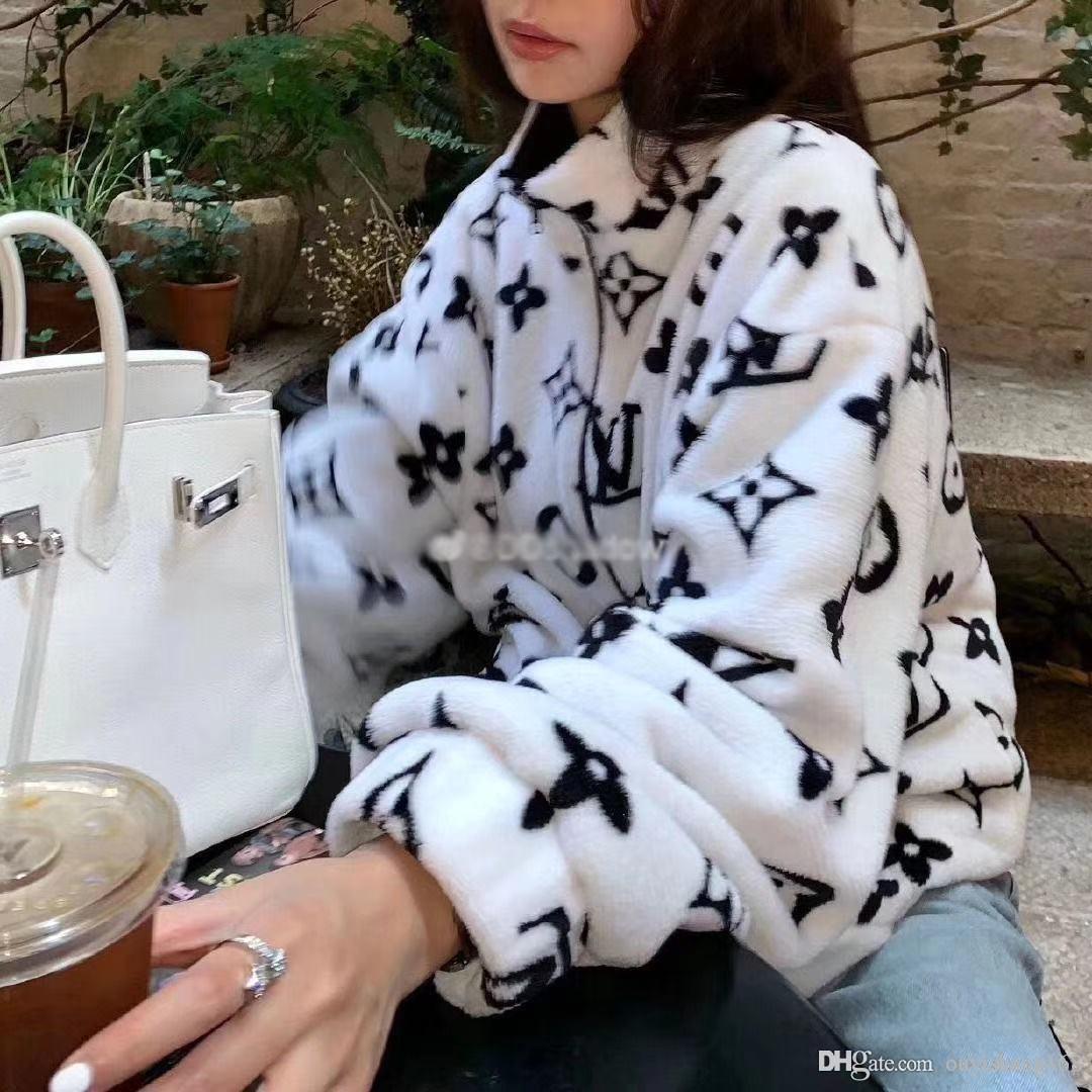 Qiu dong coat female Korea edition loose student plush coat coral fleece body printing men and women the same style lovers coat