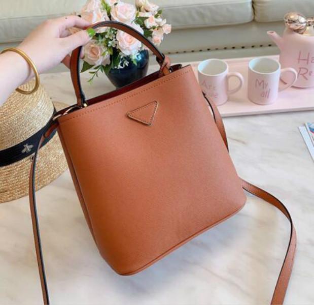 고전적인 상표 어깨에 매는 가방 물통 부대 여자 디자이너 핸드백 꽃 인쇄 몸 부대 지갑