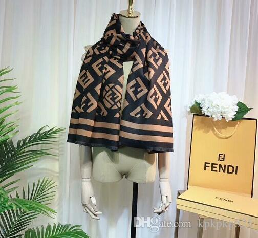 Lujo bufanda del invierno para mujer de marca diseñadores cachemira Mens de la marca bufanda de la manera Mujeres diseñadores calientes del invierno Flor Pañuelos W9 190