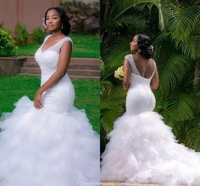 Blanco puro con cuentas Nigeria Sirena Vestidos de novia 2019 Cap Mangas Con cuello en v Vestido formal nupcial con volantes en niveles Falda de talla grande Vestidos AL2089