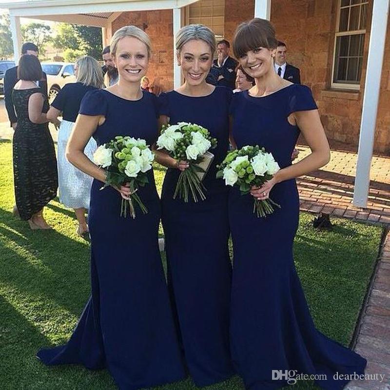 짧은 소매와 로얄 블루 신부 들러리 드레스 2021 새로운 섹시한 인어 새틴 긴 웨딩 게스트 드레스 저렴한 컨트리 하녀 명예 가운