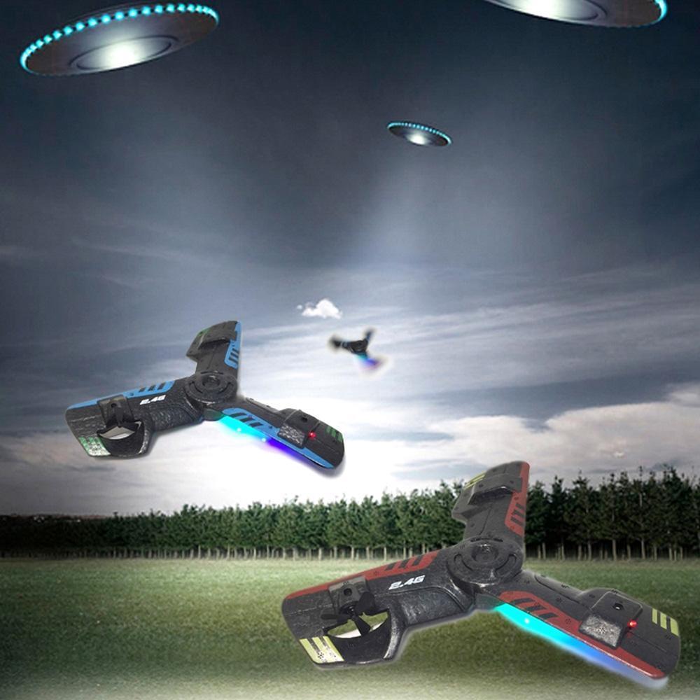 2.4G UFO Schiuma Boomerang Aircraft creativo mini ronzio RC Quadcopter RC giocattolo ricaricabile Flying Saucer con luce istantanea