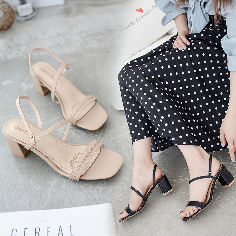 Sexy2019 Grossa con una donna comoda dei sandali concisi della fibbia